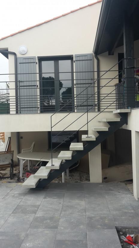 Escalier béton métal
