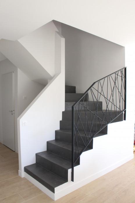Escalier béton minéral anthracite