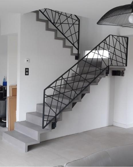 Escalier béton minéral gris béton
