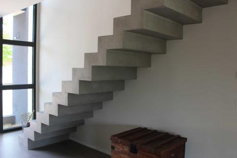 Escalier Crémaillère finition béton minéral